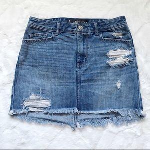 Hollister Distressed Denim 5 Pocket Skirt Size 3